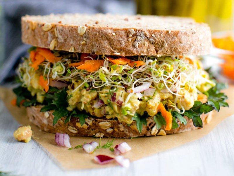 chickpea veggie sandwich