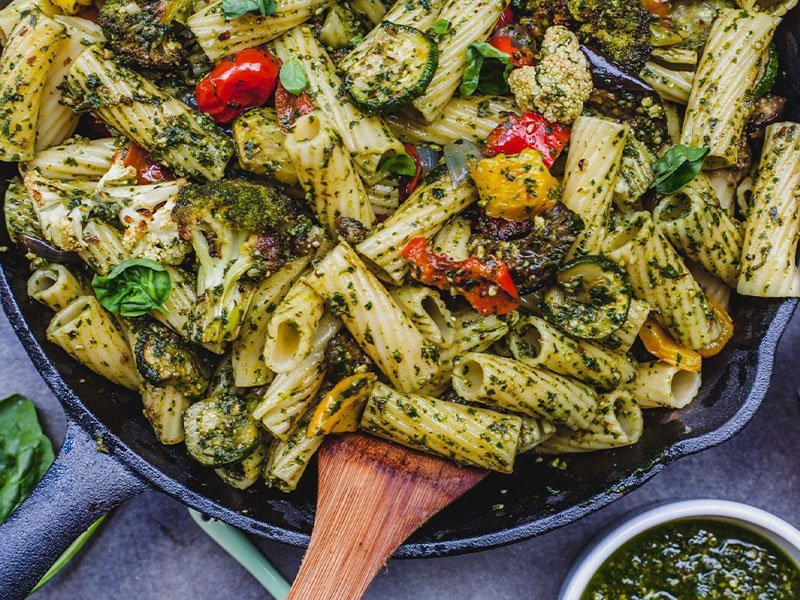 pesto pasta with veggies